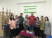 Voyageurs chez agence locale Vietnam Dragon Travel  (36)