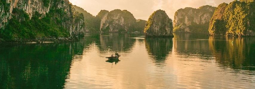 Voyage senior au Vietnam avec agence de voyage de luxe au vietnam