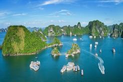 Jonque de luxe en baie Bai Tu Long